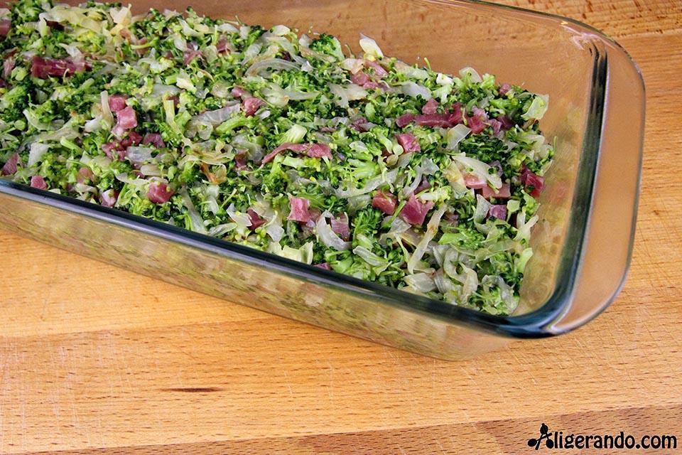 Brócoli, jamón, huevos, repollo, mayonesa, receta baja en calorías, recetas, cocina ligera, receta baja en grasa. 516 calorías, calorías, cocina sana, receta sana, receta rica y sana.