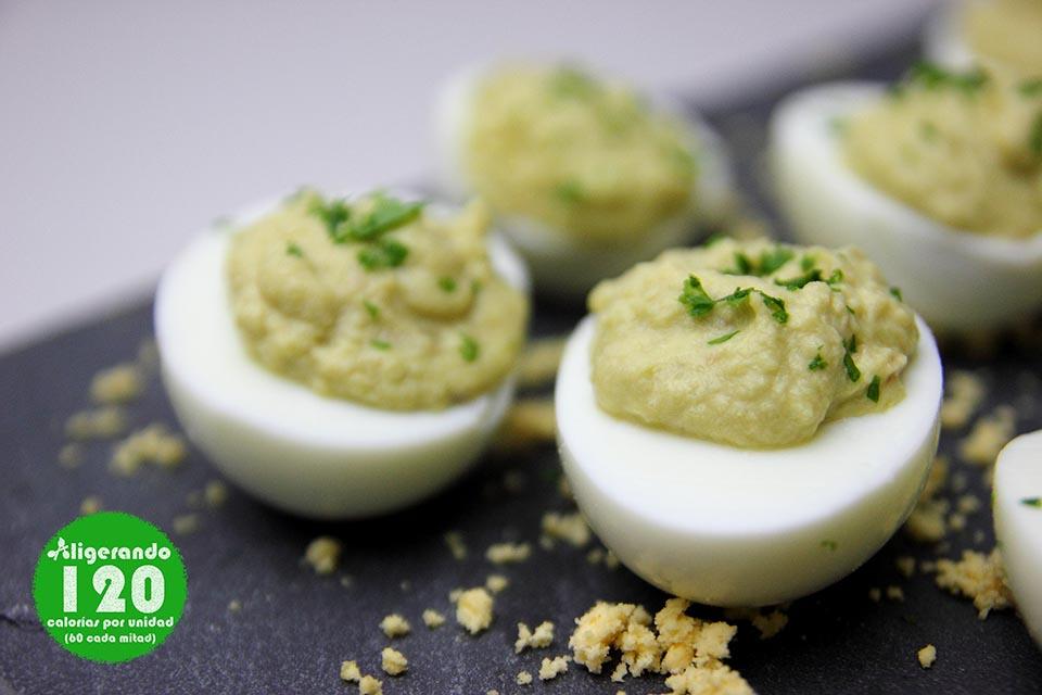 Huevos rellenos de aguacate y anchoa, receta huevo, huevos rellenos, huevo, receta aguacate, aguacate, receta anchoas, anchoas, aligerando, restando calorías, recipe, receta, recipes, recetas, cocina ligera, receta baja en grasa, receta con número de calorías, calorías, receta calorías, cocina sana, receta sana, receta rica y sana, rico, sano, saludable, healthy, healthy food, receta light, light, receta saludable, receta foto, fotoreceta, receta paso a paso, receta baja en calorías, receta fácil, receta rápida, receta fresca, recetas frescas, recetas verano, receta verano, adelgazar, recetas para perder peso, receta para perder peso, recetas perder peso, receta perder peso, receta tupper, receta táper, tupper, táper, sin gluten, sin lactosa.