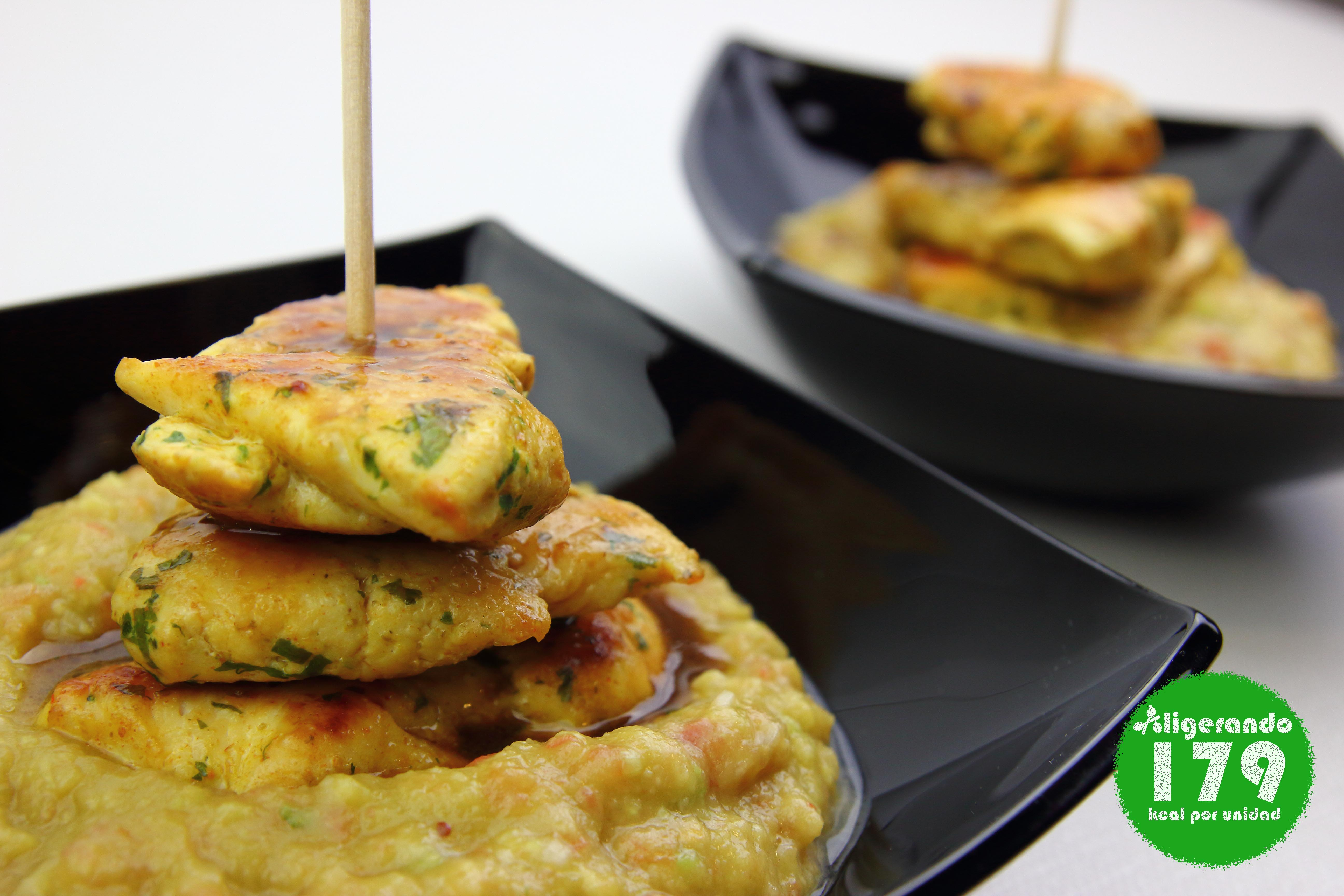 Brochetas de pollo. brocheta de pollo con guacamole, brocheta, pollo y guacamole. guacamole. guacamole y pollo, aguacate, salsa de soja, pollo, aligerando, restando calorías, recipe, receta, recipes, recetas, cocina ligera, receta baja en grasa, receta con número de calorías, calorías, receta calorías, cocina sana, receta sana, receta rica y sana, rico, sano, saludable, healthy, healthy food, receta light, light, receta saludable, receta foto, fotoreceta, receta paso a paso, receta baja en calorías, receta fácil, adelgazar, adelgazar comiendo, recetas para perder peso, receta para perder peso, recetas perder peso, receta perder peso, sin gluten, gluten free, sin lactosa.