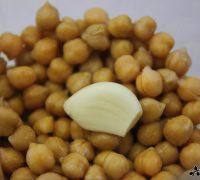 Hummus con tartar de aguacate (1)