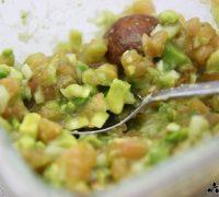 Hummus con tartar de aguacate (5)