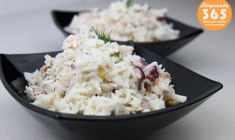 Ensalada de arroz, ensalada, ensalada salmón, pulpo, nueces, aligerando, restando calorías, recipe, receta, recipes, recetas, cocina ligera, receta baja en grasa, receta con número de calorías, calorías, receta calorías, cocina sana, receta sana, receta rica y sana, rico, sano, saludable, healthy, healthy food, receta light, light, receta saludable, receta paso a paso, receta fácil, adelgazar, adelgazar comiendo, receta para perder peso, recetas perder peso, receta perder peso, comida real, real food, receta baja en calorías, receta rápida, receta tupper, receta táper, tupper, táper, receta para dos, para 2, sin lactosa, sin gluten, gluten free.