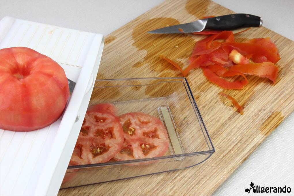 Carpaccio de tomate, tomate, carpaccio, frutos secos, manzana, aligerando, restando calorías, recipe, receta, recipes, recetas, cocina ligera, receta baja en grasa, receta con número de calorías, calorías, receta calorías, cocina sana, receta sana, receta rica y sana, rico, sano, saludable, healthy, healthy food, receta light, light, receta saludable, receta fácil, adelgazar, adelgazar comiendo, receta para perder peso, recetas perder peso, receta perder peso, comida real, real food, receta baja en calorías, receta rápida, receta paso a paso, receta tupper, receta táper, tupper, táper, receta para dos, para 2, sin lactosa, sin gluten, gluten free.