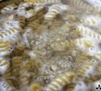 Pasta gratinada con bechamel de coliflor (2)