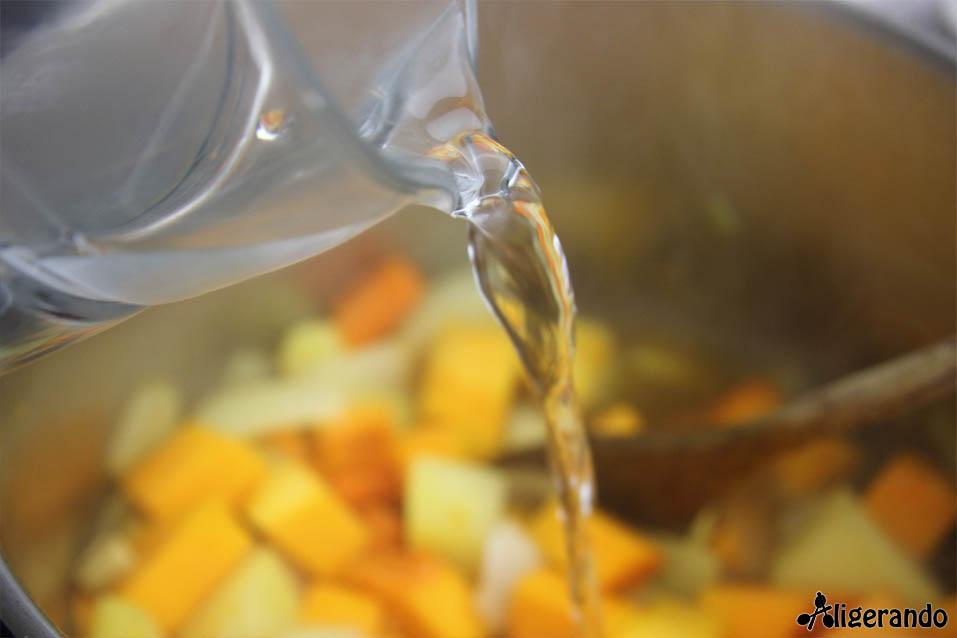 Crema de calabaza y anchoas, calabaza y anchoas, calabaza, anchoas, crema caliente, receta de cuchara, receta caliente, aligerando, restando calorías, recipe, receta, recipes, recetas, cocina ligera, receta con número de calorías, calorías, receta calorías, cocina sana, receta sana, receta rica y sana, rico, sano, saludable, healthy, healthy food, receta light, light, receta saludable, receta fácil, adelgazar, adelgazar comiendo, comida real, real food, receta rápida, receta paso a paso, sin gluten, gluten free, receta baja en grasa, receta baja en calorías, receta tupper, receta táper, tupper, táper.
