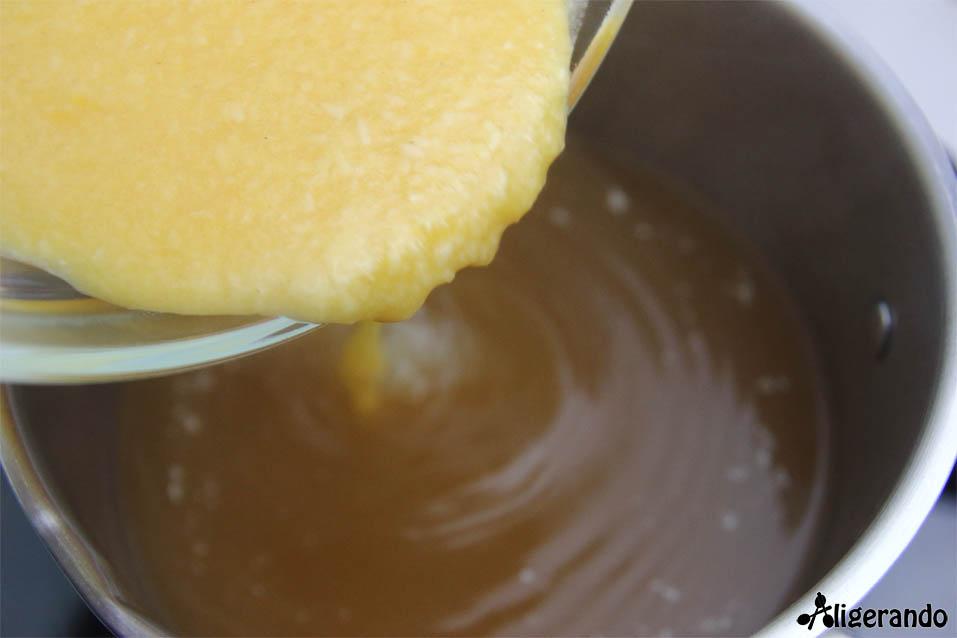 Sopa Stracciatela, sopa, sopa con parmesano, sopa con huevo, sopa italiana, aligerando, restando calorías, recipe, receta, recipes, recetas, cocina ligera, receta para dos, para 2, receta con número de calorías, calorías, receta calorías, cocina sana, receta sana, receta rica y sana, rico, sano, saludable, healthy, healthy food, receta light, light, receta saludable, receta fácil, adelgazar, adelgazar comiendo, receta para perder peso, recetas perder peso, receta perder peso, comida real, real food, receta baja en calorías, receta rápida, receta paso a paso, táper, sin gluten, gluten free.